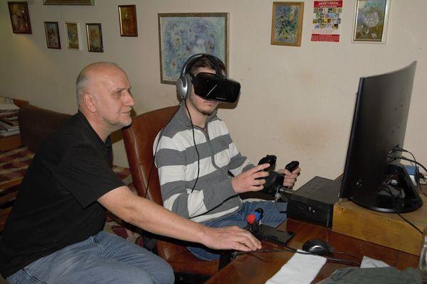 Тернополянин зібрав один з найкращих в Україні симуляторів авіаційних польотів