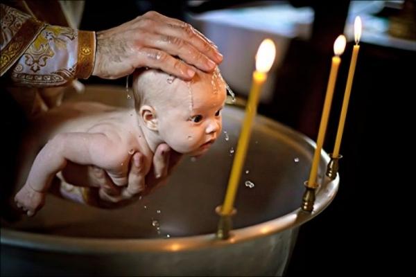 На Тернопільщині священик не хотів хрестити дитину, бо хресні батьки – православні