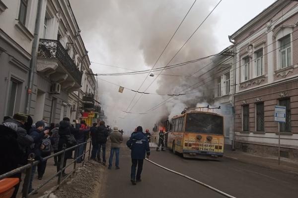 В центрі Тернополя масштабна пожежа (Фото, відео)