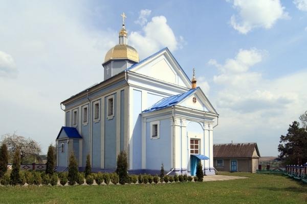 Громада одного з найбільших сіл Шумського району перейшла до Православної Церкви України