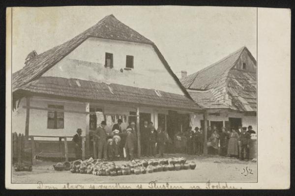 Товсте на світлинах 1910-х роках