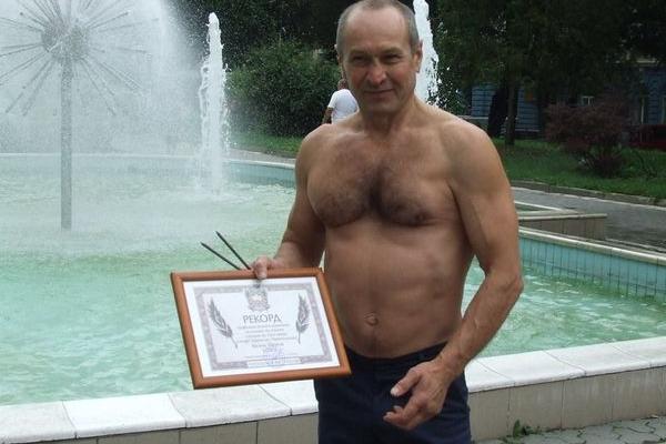 Чоловіку, який зареєстрував найбільше рекордів у «Книзі рекордів Тернополя» сьогодні - 55 років