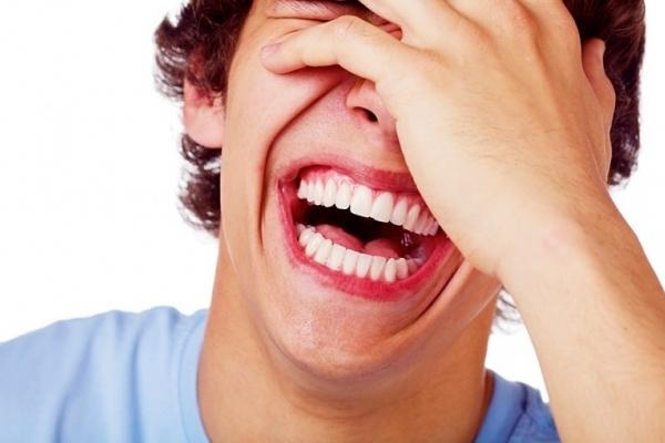 Тернополяни висміюють рекламний сітілайт за неоднозначну помилку (Фото)