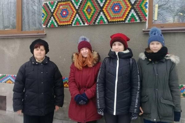 Місто на Тернопільщині хочуть зробити унікальним за допомогою пластикових корків (Фотофакт)