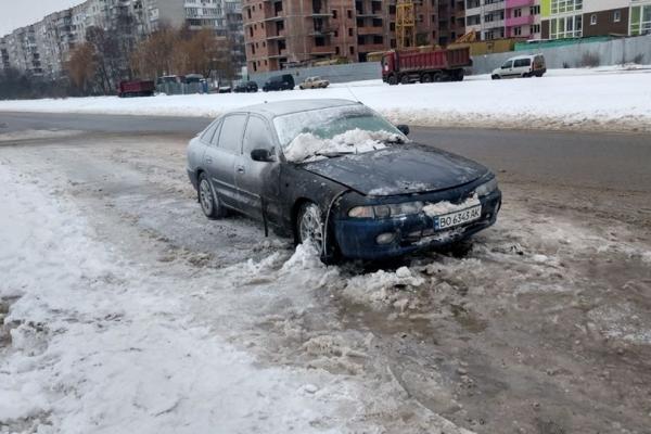 У Львові згорів автобіль тернополянина (Фото)