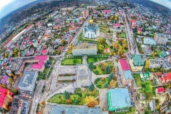 Змінився до невпізнаваності: чортківчанин показав фото міста 15-річної давності (Фото)