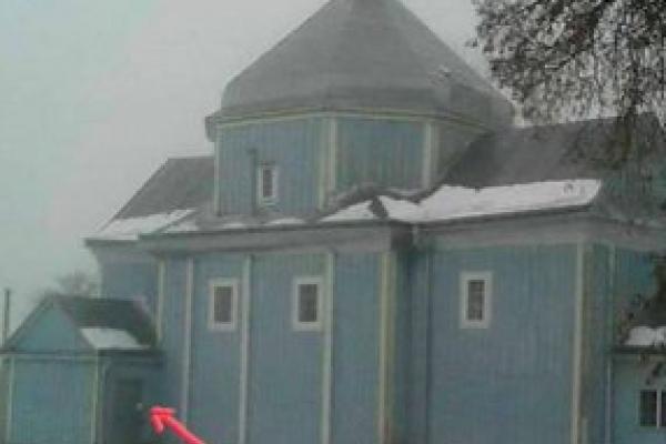На Тернопільщині священик УПЦ МП окупував церкву