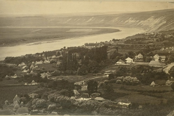 Столітня панорама села Устя