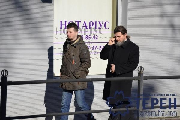 Диво в Тернополі: піп російської церкви зцілився відразу, як від нього пішли журналісти (Фото)