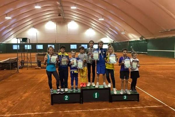 Всеукраїнській турнір з великого тенісу «Зимовий Тернопіль» зібрав майже 50 учасників