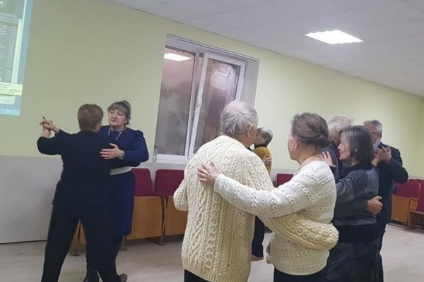У Тернополі для пенсіонерів влаштували дискотеку (Фото)