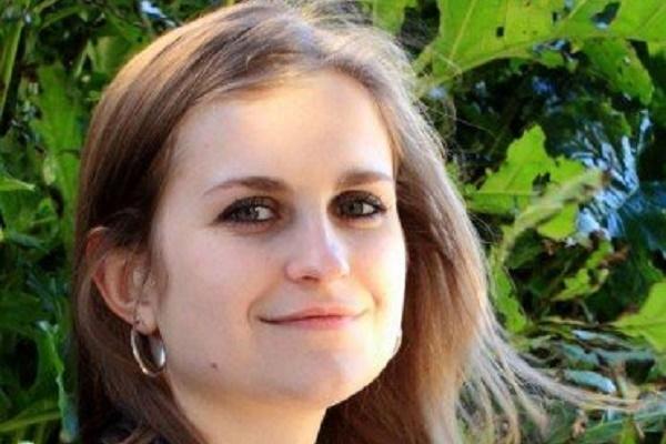 Студентка з Кременця стала відомою художницею в Португалії
