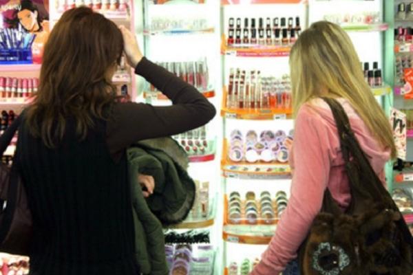 У Тернополі дві школярки поцупили косметику з магазину