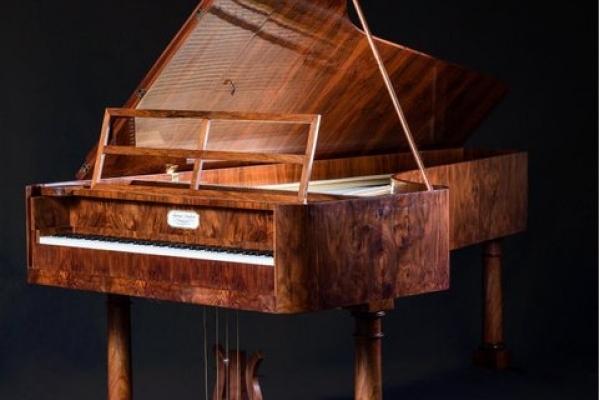 На Тернопільщині виявили фортепіано, яке є копією інструмента Шопена