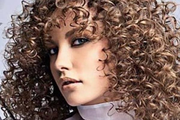 7 жіночих зачісок, які ненавидять чоловіки