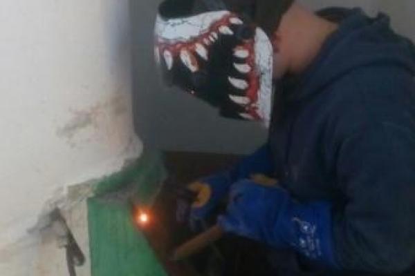 У Тернополі заварюють сміттєпроводи