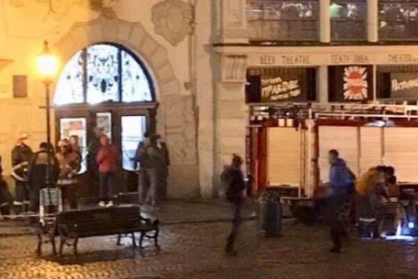 У каналізації у центрі Львова стався вибух
