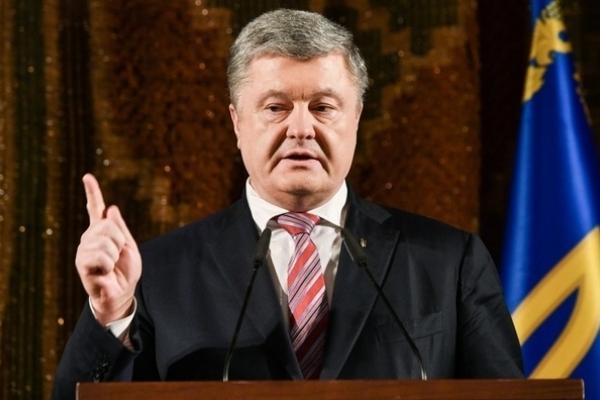 Порошенко: Загроза повномасштабної війни реальна, Кремль готується до удару