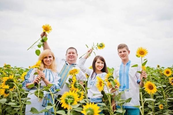 «Він був справжнім українцем!» - похоронили тернопільського освітянина, який загинув у ДТП