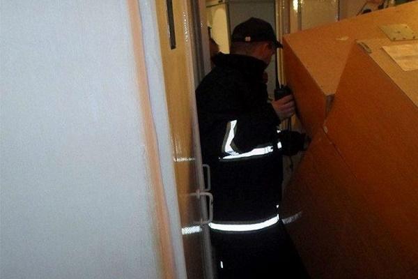 На Тернопільщині чоловік помер через шафу