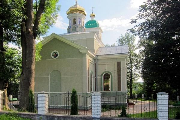 Громада села Гніздичне на Тернопільщині відстояла право молитися в Українській церкві