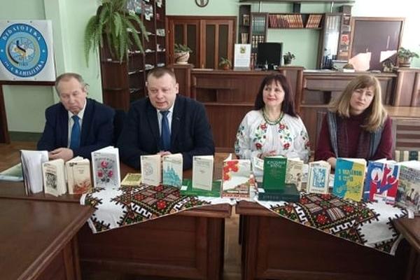 Шанувальники «СловоСвіту» відзначили 85-річчя з дня народження поета і науковця Володимира Вихруща