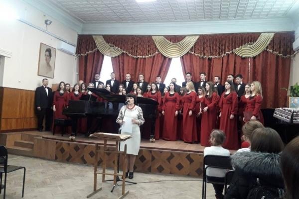 Студенти Тернопільського музичного коледжу читали Шевченка на п'яти мовах світу