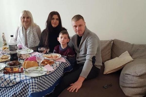 На Тернопільщині діє акція «Запроси дитину з інтернату на свята у родину»