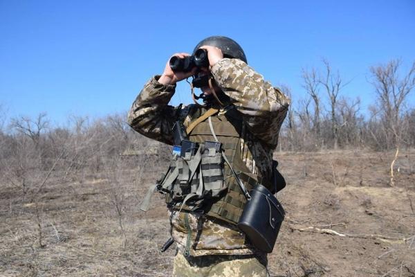 Тернопільські артилеристи організували засідку, замаскували техніку і очікують на танки противника