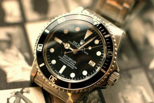 У Тернополі 16-річний підліток вкрав із магазину дорогий годинник