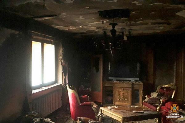 Пожежа біля Тернополя: ледь не згорів житловий будинок