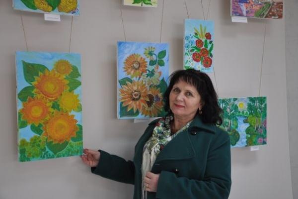 Письменниця Марія Баліцька презентувала 55 авторських  живописних полотен