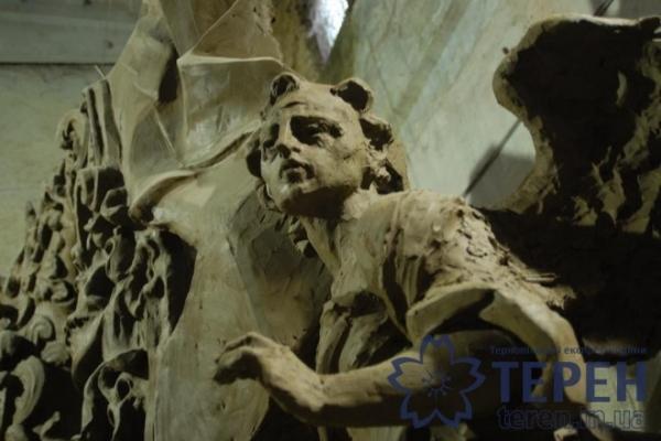 Скульптор з Тернополя відтворює втрачені шедеври Іоана Пінзеля