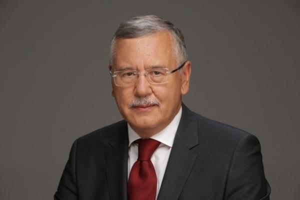 Гриценко викликав Зеленського на дебати у прямому ефірі