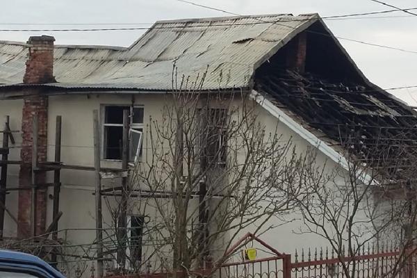 На Тернопільщині просять допомогти родині, в якої згорів будинок (Фото)
