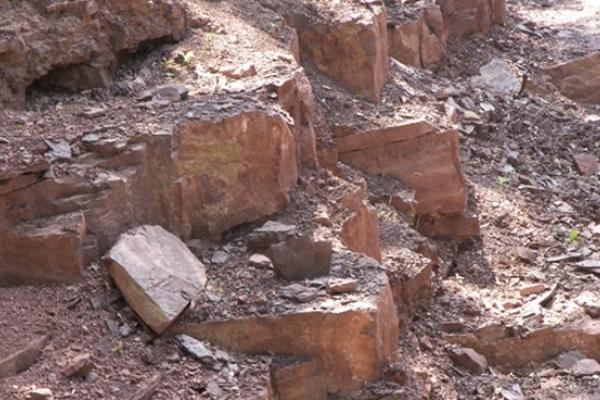 В Бучацькому районі затримали пенсіонера, бо він без дозволу видобував камінь