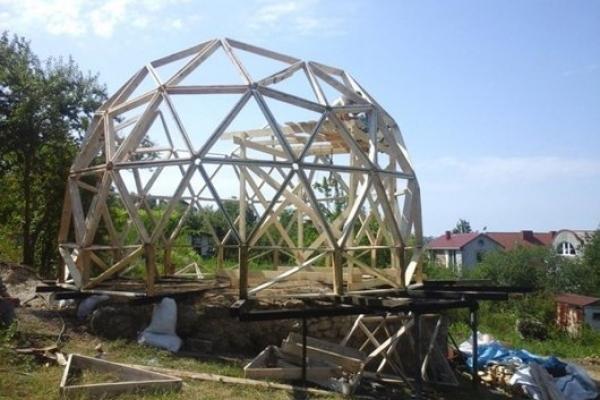Під Тернополем спорудили економний диво-будинок (Фото)