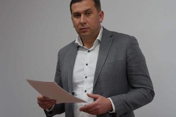 На Тернопільщину завезли партію перстнів із вмонтованою ручкою для псування бюлетенів (Фото)