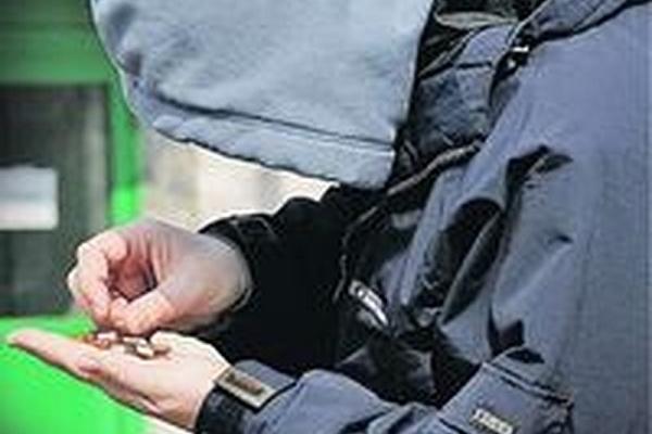 У Тернополі неадекватний чоловік вкрав медпрепарат з аптеки