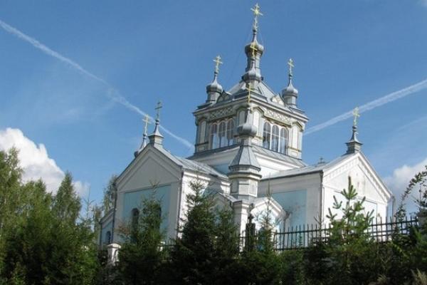 На Тернопільщині є чудотворна ікона Божої Матері, яка не одне століття допомагає кожному, хто  приїздить до неї