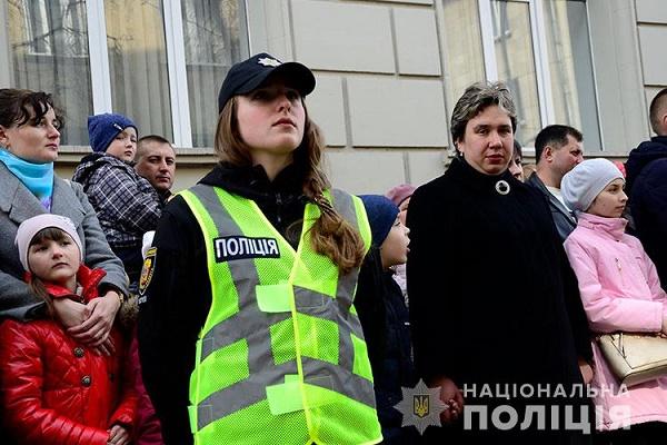 За підрахунками поліції, у Хресній дорозі вулицями Тернополя взяло участь майже 17 тисяч вірян