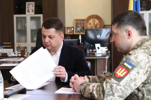 Віктоp Овчаpук зустpівся з новопpизначеним диpектоpом Теpнопільського військового коледжу