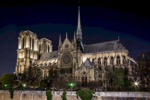 Собор Паризької Богоматері: 10 цікавих фактів про величну споруду