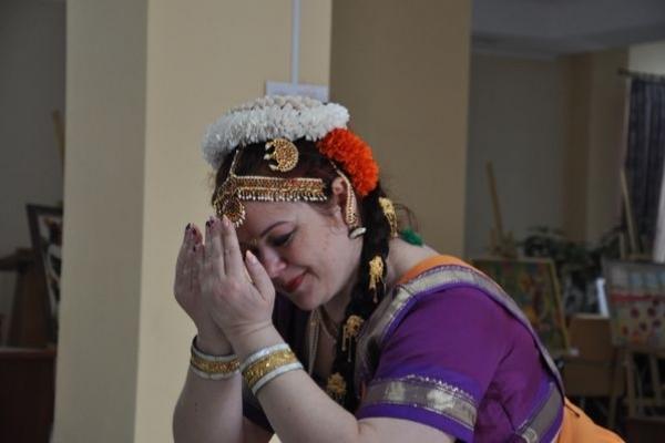Як відомий український вірш перевтілився в індійський танець