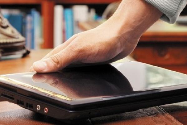 Знайомий поцупив ноутбук в мешканця Тернопільщини