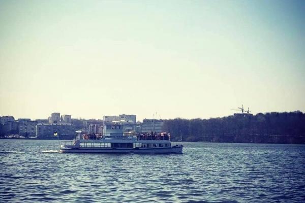 Скільки доведеться заплатити за прогулянку на катері на Тернопільському ставі