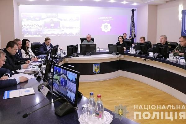 Перед другим туром виборів поліцейські переходять у посилений режим