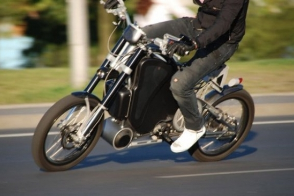 Нетверезий юнак випав із мотоцикла і травмувався