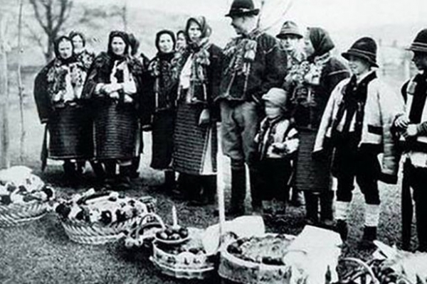 Великдень в Україні 100 років тому (архівні фото)