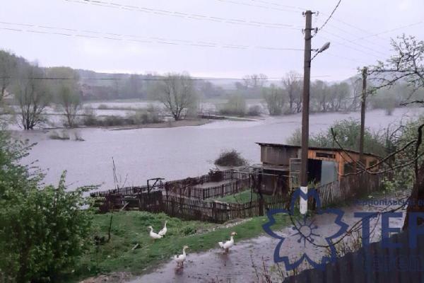 Ні городів, ні плотів, ні подвір'я: на Тернопіллі оговтуються від негоди (Фото, Відео)